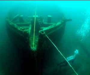 Tour Great Lakes Shipwrecks