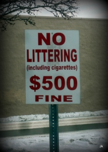 photo no littering sign